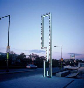Skulptur R_Brigitte Kowanz