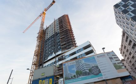 The 100th flat in SKYTOWER is sold