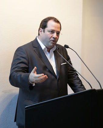 BUWOG CEO-Daniel Riedl bei der Ausstellungseröffnung