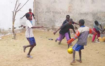 """BUWOG Spendenaktion: """"Ein Haus für Straßenkinder im Senegal"""" steht kurz vor der Dachgleiche"""
