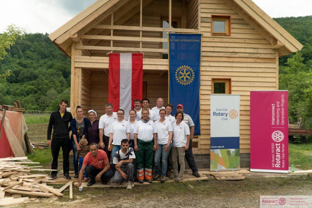 BUWOG Weihnachtsspende:  Haus in Srebrenica fertig gestellt