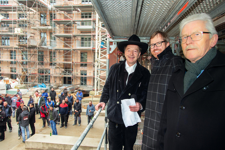 Zimmermann mit Alexander Happ (BUWOG Bauträger GmbH) und Uwe Bahr (MIB). Credit: Claudia Hechtenberg / BUWOG