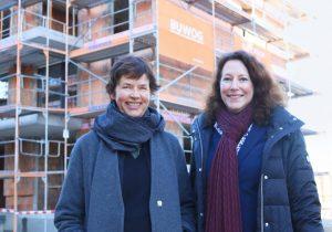 Richtfest: Architektin Anne Lampen mit BUWOG-Geschäftsführerin Eva Weiß. Foto: Divé