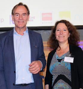 Engagiert für Wohnraum: BUWOG-Geschäftsführerin Eva Weiß mit Burkhard Jung, OB von Leipzig und Präsident des Deutschen Städtetags. Foto: Michael Divé