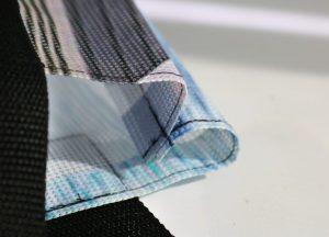 Mesh-Gewebe oder Banner aus Lkw-Plane bekomtm als hochwertige Taschen eine zweite Chance. Foto: Michael Divé