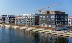 BUWOG THE VIEW besteht aus drei Gebäuden am Ufer der Dahme. Foto: BUWOG