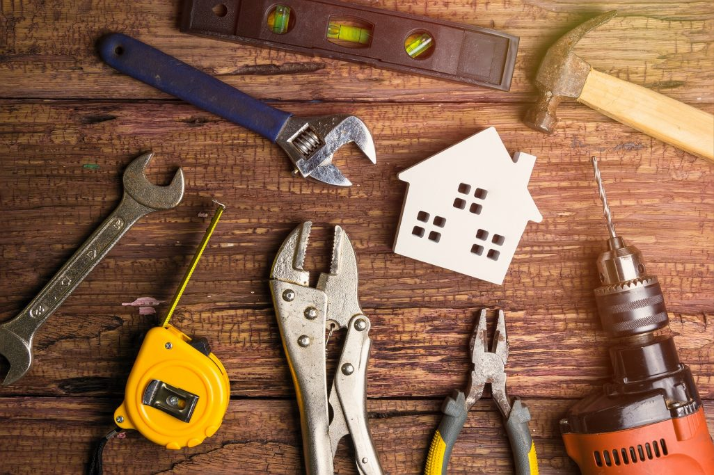 Housing Guide – Maintenance, Upkeep, Repairs: Who Pays for What?